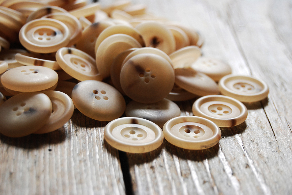 Quality Genuine Horn Buttons Made in Italy