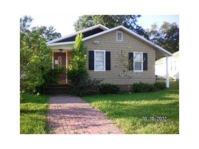 Buy 208 Avenue E SE Winter Haven, FL 33880