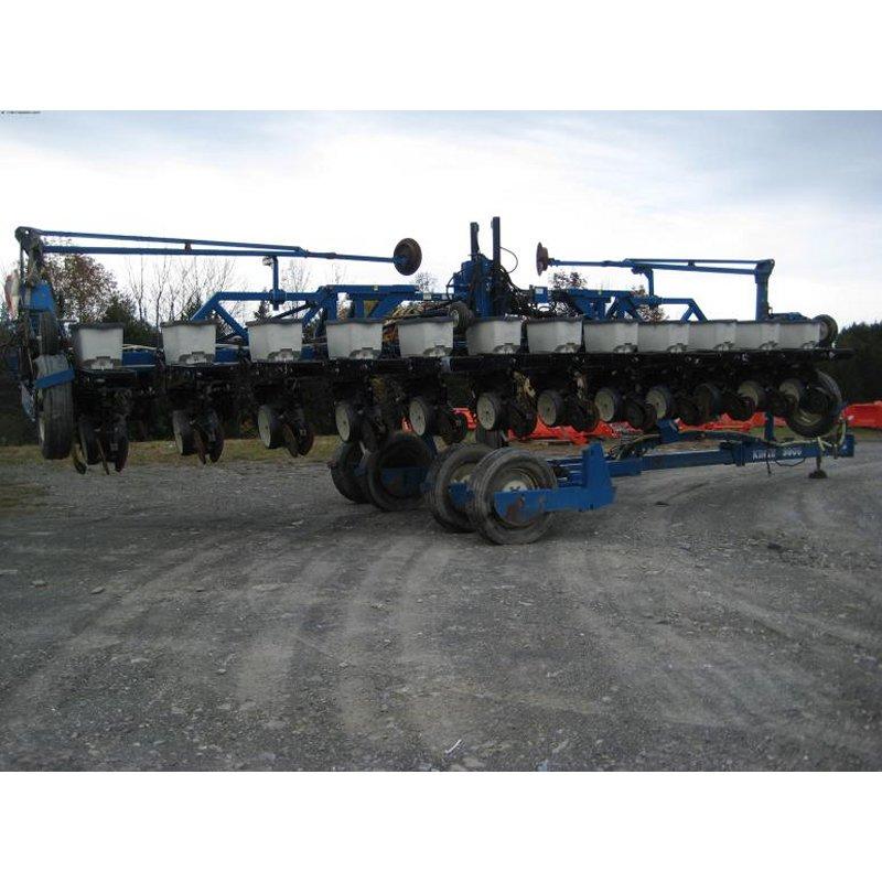 Buy 2000 Kinze 3600 Planter No-Till