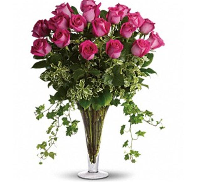 Buy 18 Long Stemmed Pink Roses