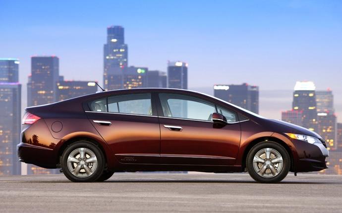 Buy Honda FCX Clarity New Car