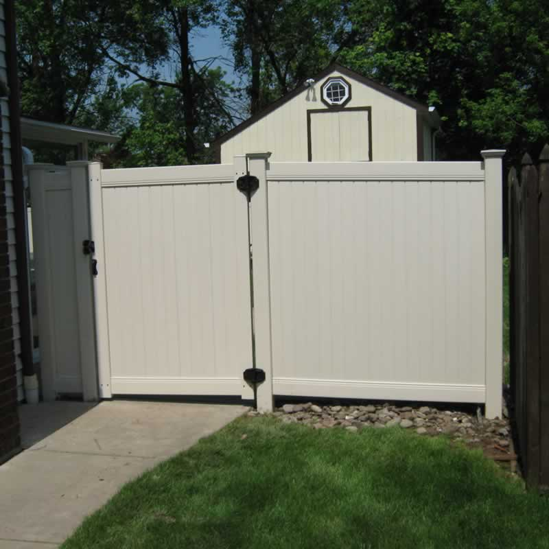 Gladstone fencing offers you the choice of your own custom designed fences and gates