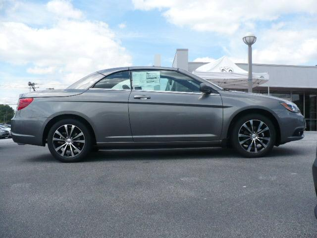 Buy Chrysler 200 S Convertible Car