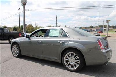 Buy Chrysler 300C 4dr Sdn V8 Luxury Series RWD Car
