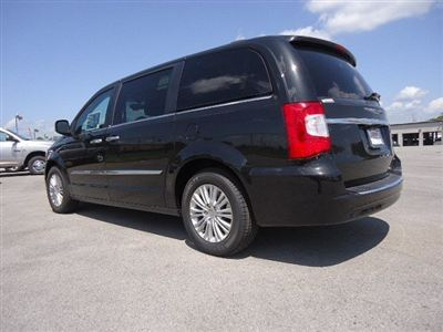 Buy Chrysler Town & Country 4dr Wgn Limited Car