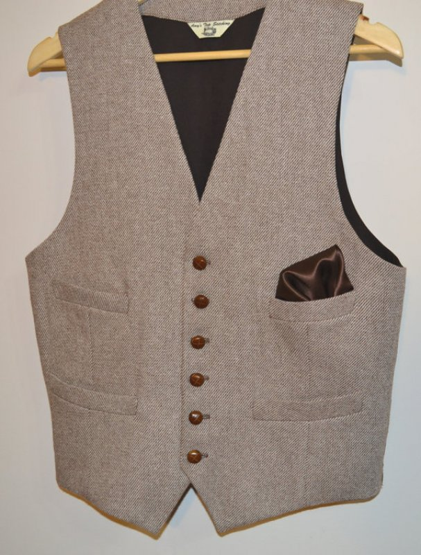 Mens Vest, in wool tweed, 100% cotton lined