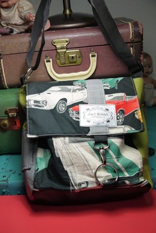 Buy Vintage Muscle Cars Mini Messenger