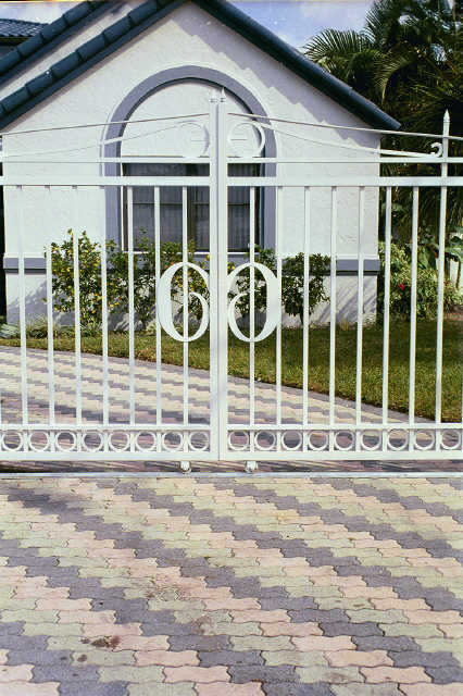 Buy Luxurious Sliding Gate