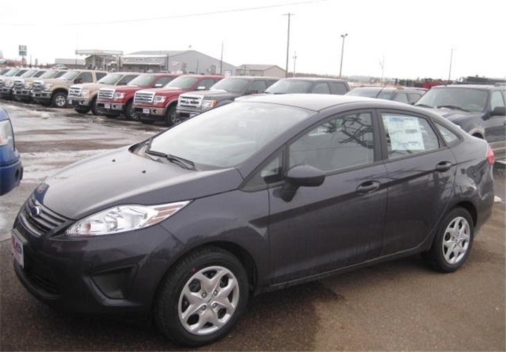2013 Ford Fiesta S Car