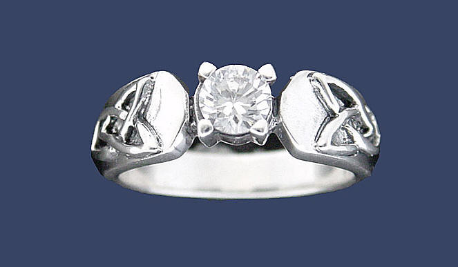 Buy Q3066 Sterling Silver Trinity Knot Ring