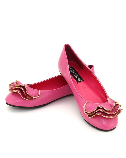 RUFFLE ZIPPER ACCENT FLAT SHOES