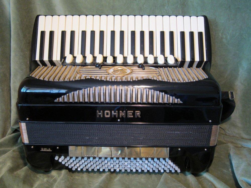 Buy HOHNER GOLA 414 ACCORDION 1964