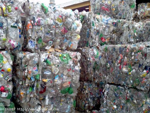 Buy PET BOTTLE SCRAP == €200 Per MT