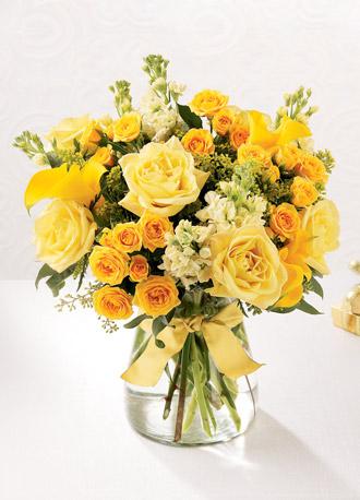Buy The FTD® Golden Splendor™ Bouquet D13-4194