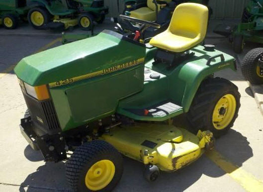 Buy JOHN DEERE 425 2WD Riding Mower 2001