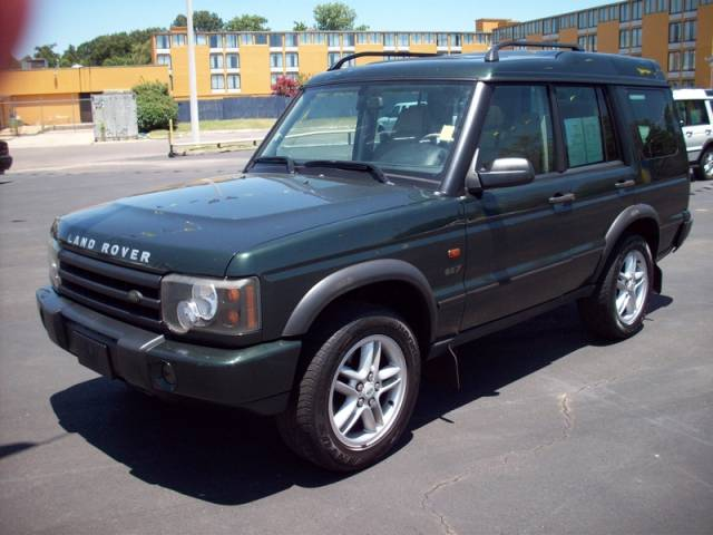 Buy Land Rover Discovery SE SUV