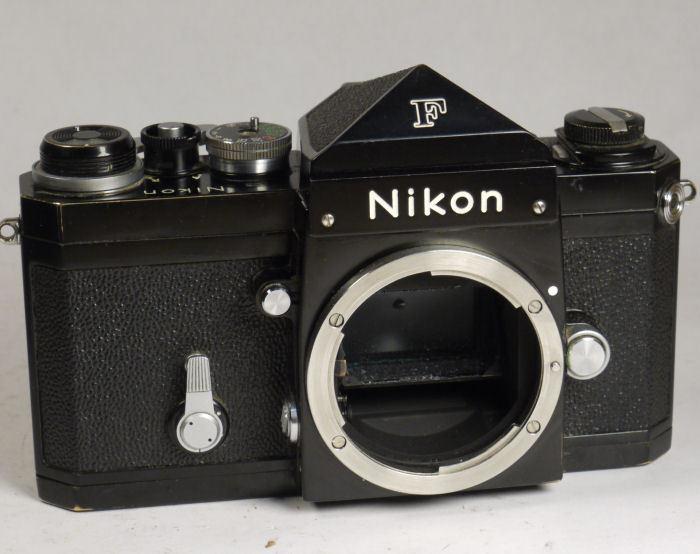 Nikon F vintage body with eye level prism Black