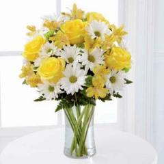 The FTD® Sunny Sentiments™ Bouquet XX-4793