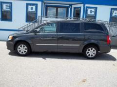 Used Car 2011 Chrysler Town & Country