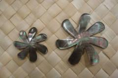 SH1-T2 / T3 Beautiful Tiare Flower Mother Of Pearl
