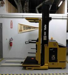 Yale OS030BF Order Selector Forklift