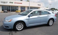 2013 Chrysler 200 4dr Sdn Touring Vehicle