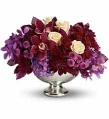 Teleflora's Lush and Lovely Floral