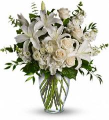 Dreams From the Heart Bouquet T208-1A