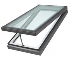 Electric venting curb mounted skylight (VCE)