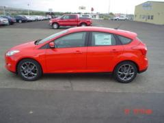 Ford Focus SE FWD Hatchback Automatic Car