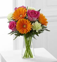 The FTD® Pure Bliss™ Bouquet C7-4925