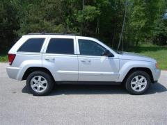2010 Jeep Grand Cherokee 4WD 4dr Laredo Car