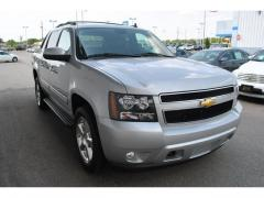Truck 2011 Chevrolet Avalanche 4-Wheel Drive LT