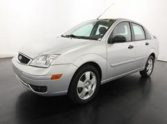 2005 Ford Focus ZX4 Car
