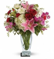 Kensington Gardens Bouquet by Teleflora