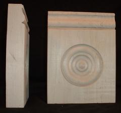 Red Oak Victorian Drop Plinth Block with Bullseye