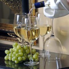 Chardonel Oak Wine