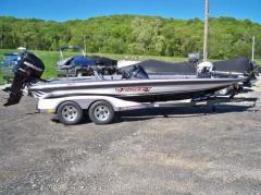 New 2012 Phoenix 921 Pro XP Boat