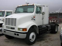 Truck 1999 International 8100 4X2