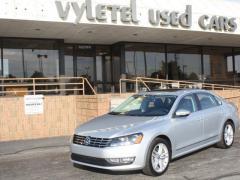 Car 2012 Volkswagen Passat SEL Premium