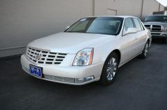 Car 2011 Cadillac DTS Premium Collection FWD