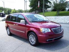 2013 Chrysler Town & Country Touring-L Van