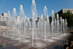 The dramatic pool fountain