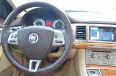Car 2010 Jaguar XF Luxury