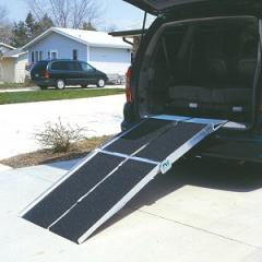 Prairie View Industries-Multifold Ramp With Extended Lip