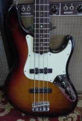 2006 Fender® Jazz Bass® Deluxe Guitar