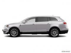 2013 Lincoln MKT EcoBoost Car