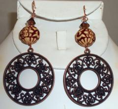 Gye152114- wood bead with copper filigree