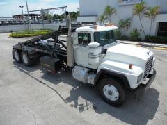 2000 Mack RD688S Roll Off Truck