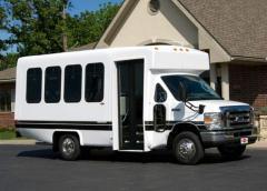 """VIP 2000 138"""" Ford E-350 Bus"""